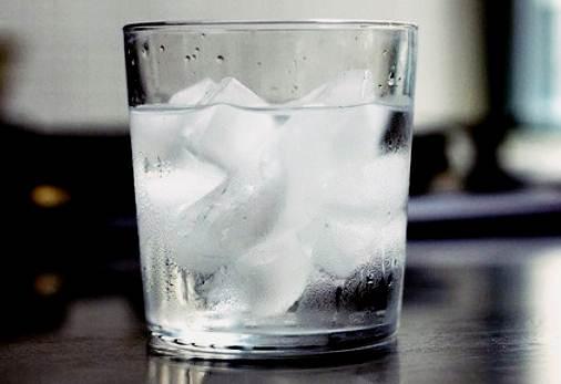 Minum Air Dingin Membuat Gemuk