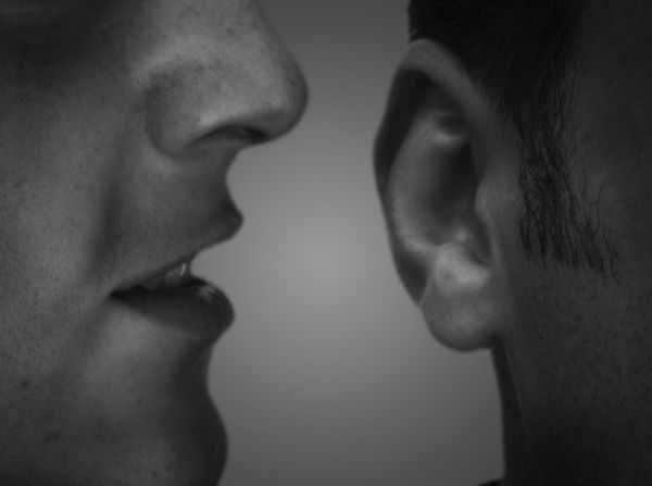 Hasil gambar untuk halusinasi pendengaran