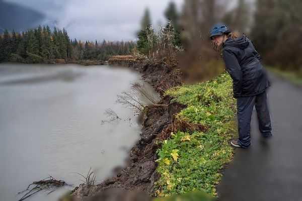 Ablasi Geografi - Erosi di Sungai karena arus air