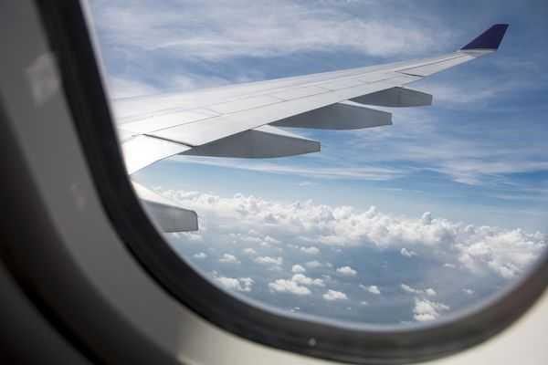 Transportasi Udara Pengertian, Contoh, kelebihan dan kekurangan