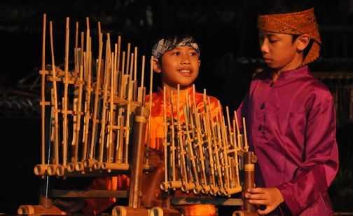 Pengertian Budaya Adalah Hakikat, Manfaat dan Contoh