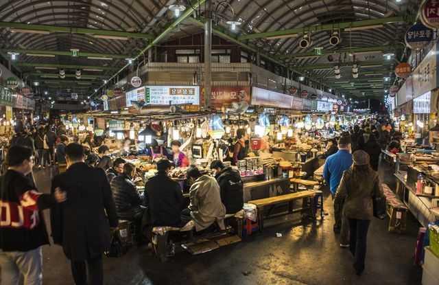 Pengertian Pasar Persaingan Sempurna Ciri-Ciri, Contoh, Kelebihan dan Kekurangannya