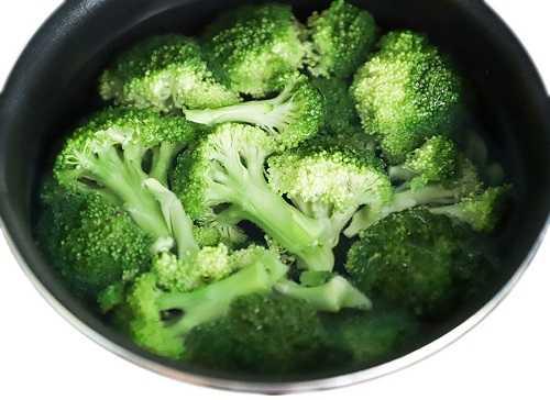 Sayur Brokoli - Manfaat untuk Kesehatan, Efek Samping, dan Saran Penyajian