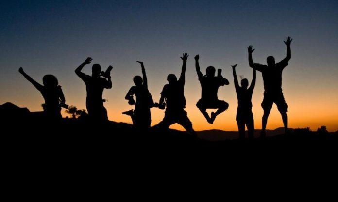 Pengertian Antusiasme Adalah Arti Definisi Manfaat dan Cara Meningkatkannya