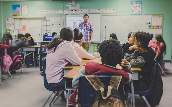 Pengertian Pendidikan Adalah Arti Fungsi, Tujuan, Manfaat, Macam Jenis dan Contoh