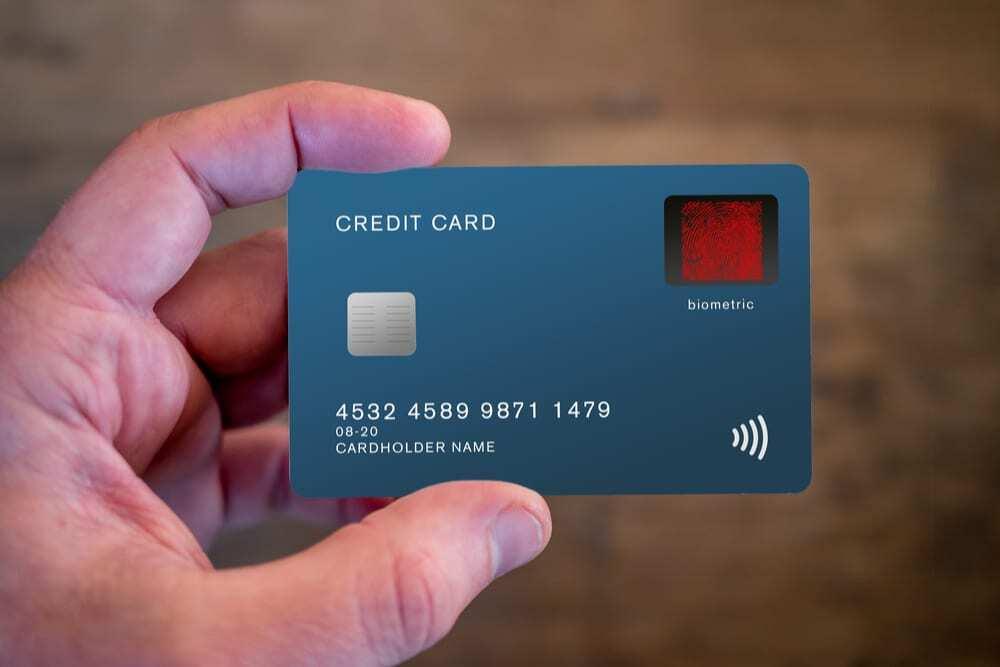 Perbedaan Kartu Kredit Biasa Dengan VCN
